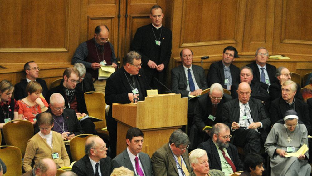 Richard Burridge speaking at General Synod in 2010